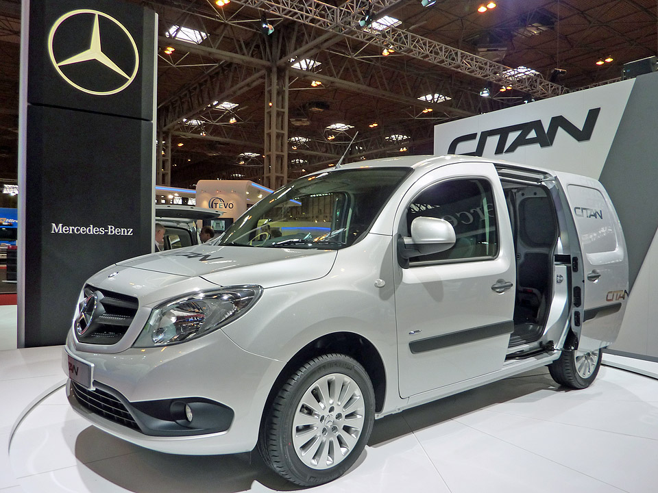 Sprinter of long beach mercedes sprinter dealer los for Dtla motors mercedes benz